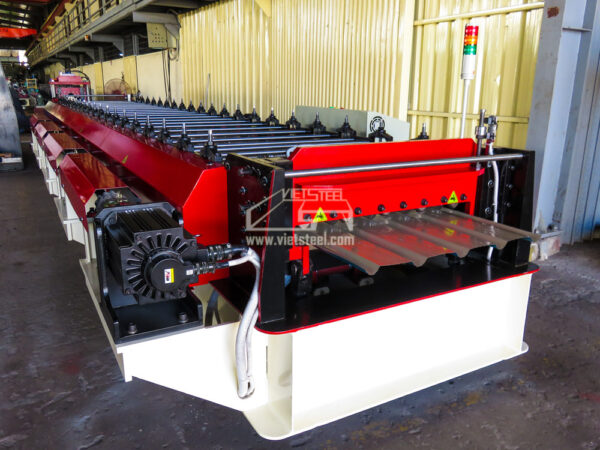 Vietsteel Roofing Roll Forming Machine (RF-SE Model)