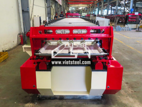 Vietsteel Roofing Roll Forming Machine Rotary cutting RF-FR model