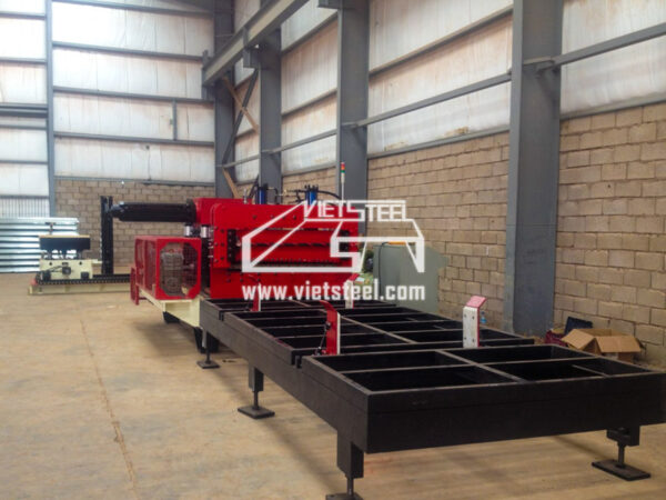 Vietsteel Cut to length machine